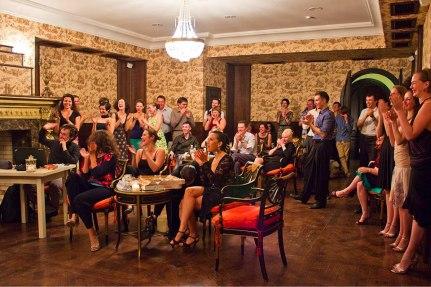 """Милонга наших друзей """"Esta Noche"""" (2012 – 2013). Танец именинника. Фото Ирины Потаповой"""
