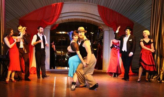 "Александра Боброва (школа ""Amigos del Tango"") и Алексей Гаврись (школа ""Aliento del Tango"") в спектакле ""Закон Танго"" на гастролях в Днепропетровске"